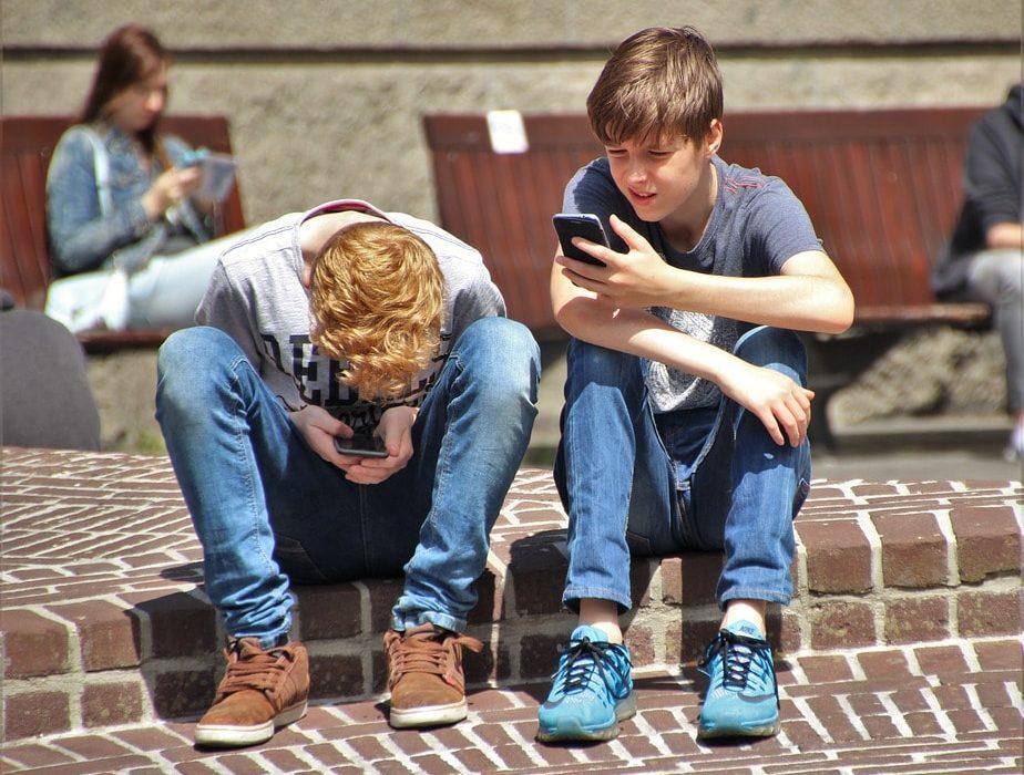 Sobre adolescência, escolhas e o bom (ou mau) uso das redes sociais